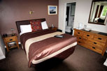 Room 7, large double ensuite with king size bed